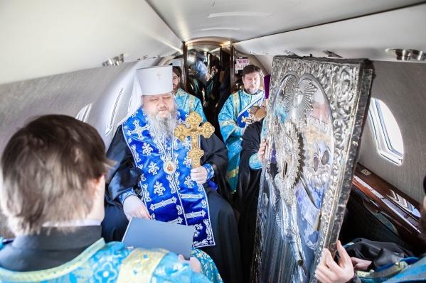 Епархия заявила, что митрополит пролетает по границе области