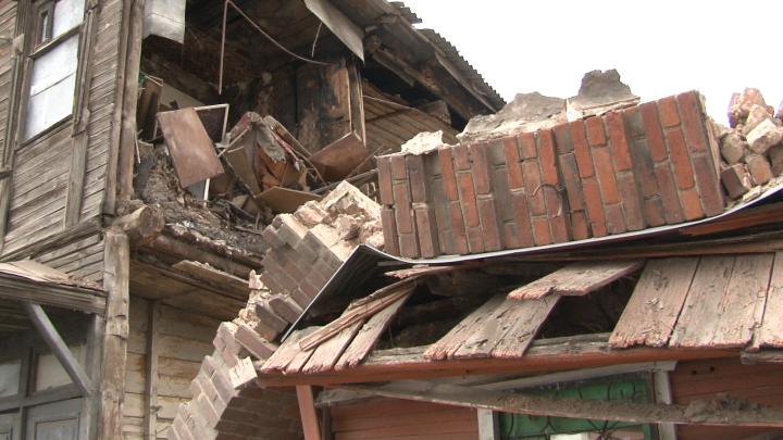 «Думала, это землетрясение»: соседи рассказали о доме на Арцыбушевской, где рухнула стена