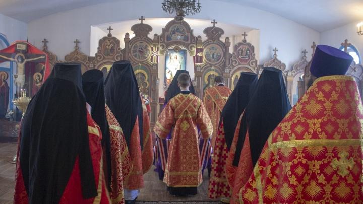 Монастыри закрыты на карантин: в Верхотурье коронавирус нашли у священнослужителя