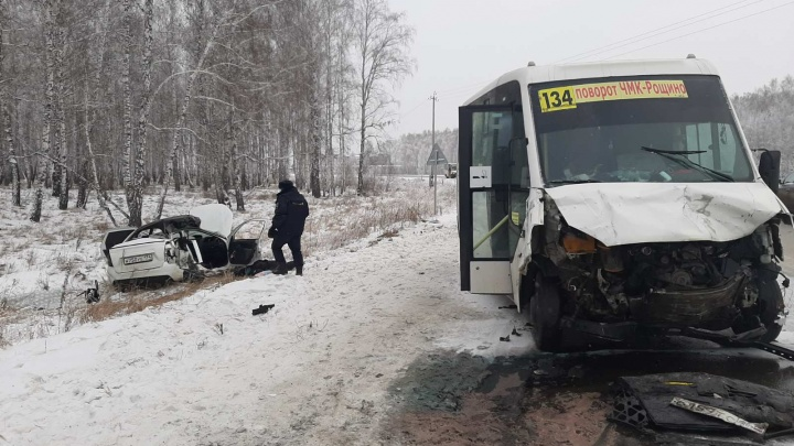 На трассе под Челябинском в ДТП с маршруткой погибли две девушки