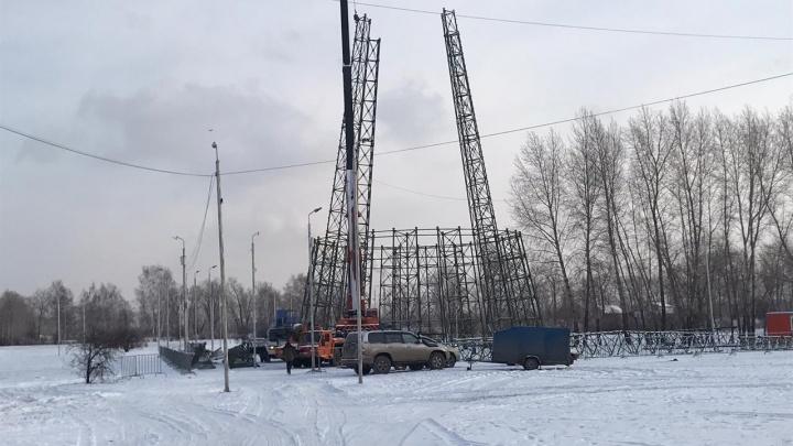 В Татышев-парке начали собирать главную городскую елку