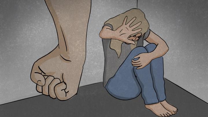 «Переписку увидел, избил до полусмерти»: откровенные истории жертв домашнего насилия