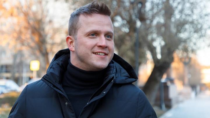 «Меня часто обвиняют, что поймал звезду»: актер Евгений Банифатов рассказал о своем детстве в Волгограде