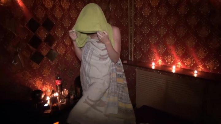 Тюменские проститутки попросили полицейских спасти их от вымогателей
