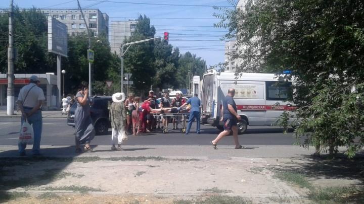 «Ранены мать и дочь»: в Волгограде озвучили подробности странной аварии на Спартановке