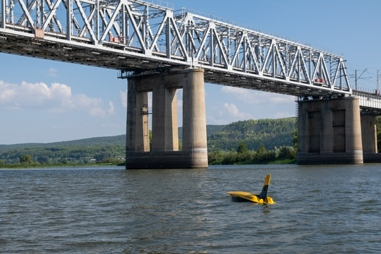 Подводный аппарат обследовал опоры моста на предмет разрушения
