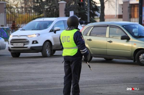 Водитель предложил сотруднику ДПС 10 тысяч рублей, но тот отказался