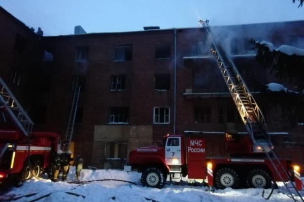 Дом после расселения несколько раз горел