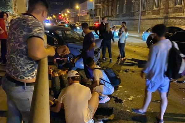 В результате происшествия пострадали три человека