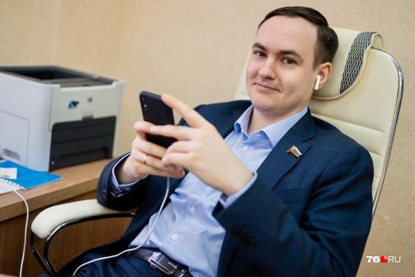 Теперь разговаривать с избирателями можно через смартфон