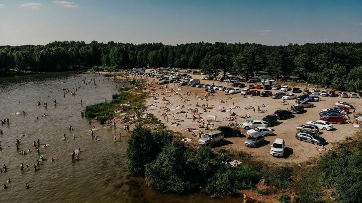 Рванувшие на пляжи тюменцы спровоцировали километровые пробки