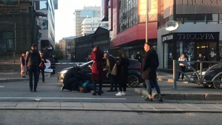 «Перебегала через дорогу»: в Екатеринбурге мотоцикл Yamaha сбил 70-летнюю женщину