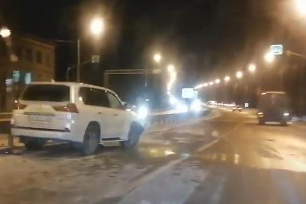 Авария произошла на трассе М-8, неподалеку от поворота на Васьково