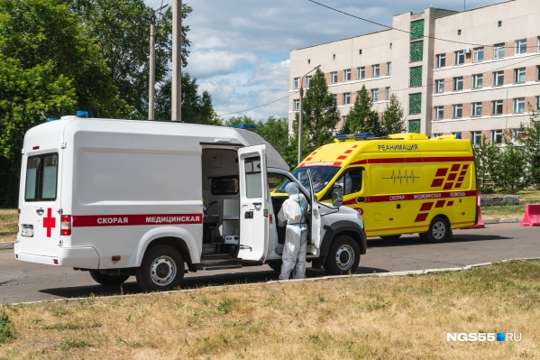 Вчера COVID-19 в Омской области обнаружили также у 99 человек