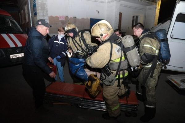 В результате пожара пострадали пять человек, а один погиб