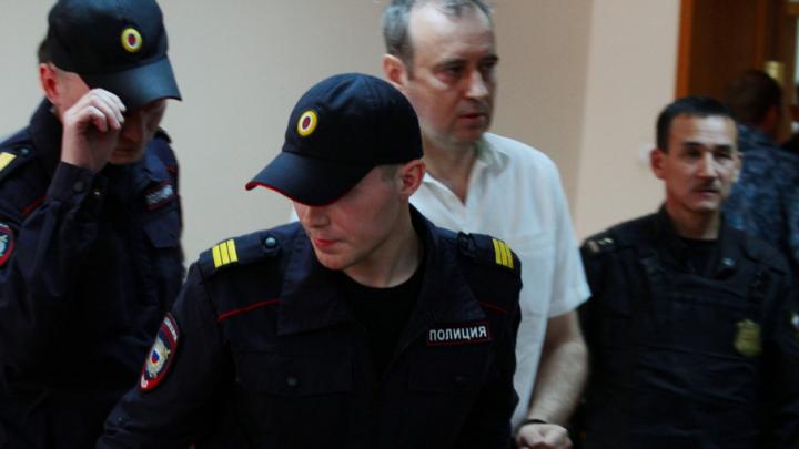 Экс-мэру Копейска, осуждённому за взятки осетрами, разрешили покинуть колонию на 4 месяца раньше