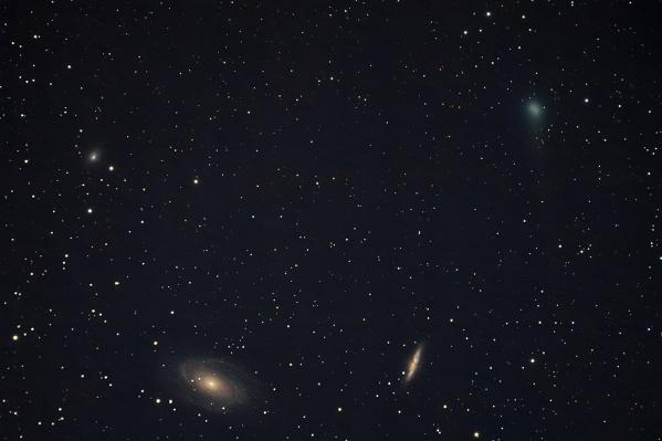 Вчера комета проходила рядом с тремя галактиками созвездия Большой Медведицы