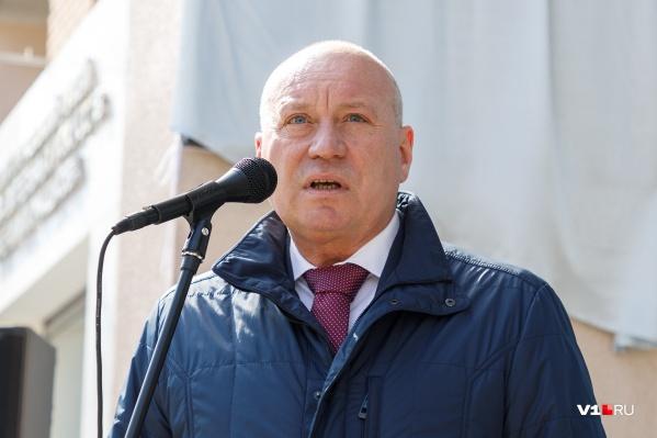 Глава Волгограда приказал в первую очередь отправлять домой женщин и стариков