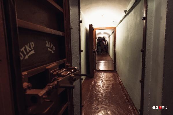 Один из коридоров бункера, который находится на глубине 37 метров