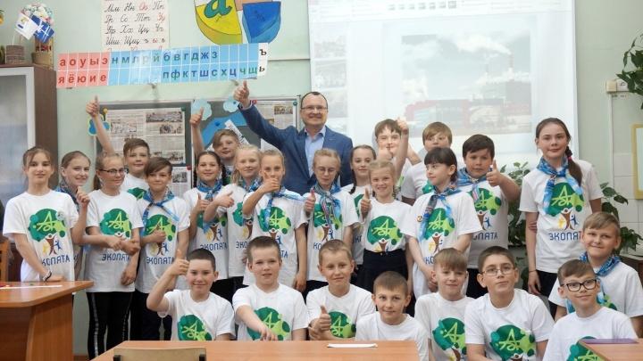 Горячие источники или космические бассейны: что разглядели дети Новодвинска в оборудовании АЦБК