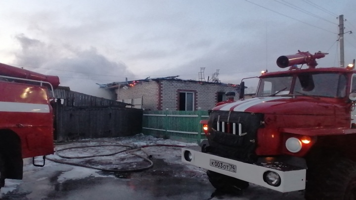 В МЧС назвали причину пожара, на котором под Челябинском погибли ребенок и трое взрослых