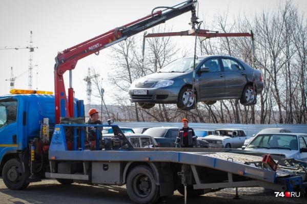Езда на машине без регистрации грозит задержанием, если прежний владелец подаст заявление