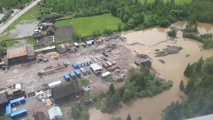 Пострадавшим от паводков в крае пообещали компенсацию до 50 тысяч