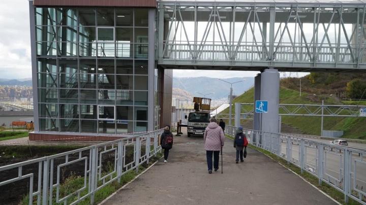 В Красноярске открыли новый переход через Николаевский проспект