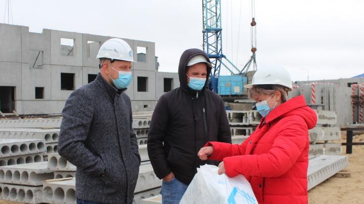 Строители Заполярья получили медицинские маски от Союза профессиональных строителей