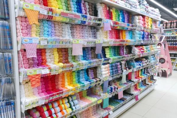 В новом магазине действует акция — купить «товары месяца» можно со скидками до 40%