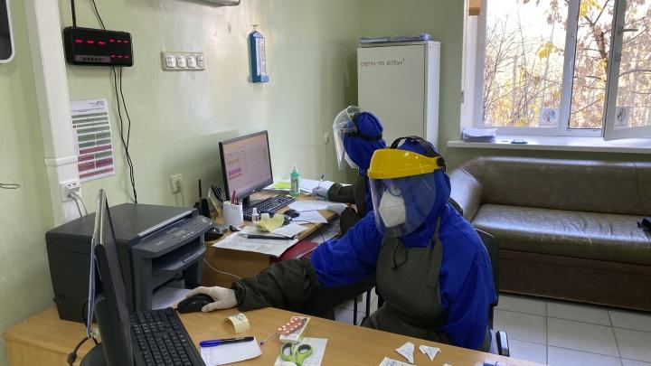 С начала пандемии коронавирусом заразились больше 13 тысяч тюменцев