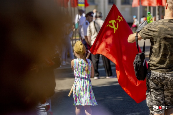 В Ярославле прошло шествие в честь Дня Победы