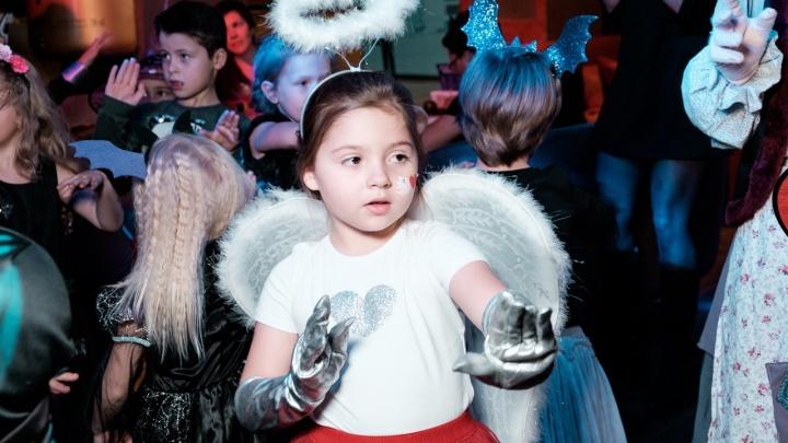 Самый вкусный Хеллоуин: ресторан BY Grand пригласил детей и родителей в «Грандиозный мир сладостей»