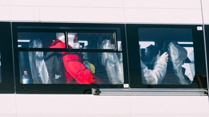 В Омске приземлился шестой борт со 159 вахтовиками из Якутии