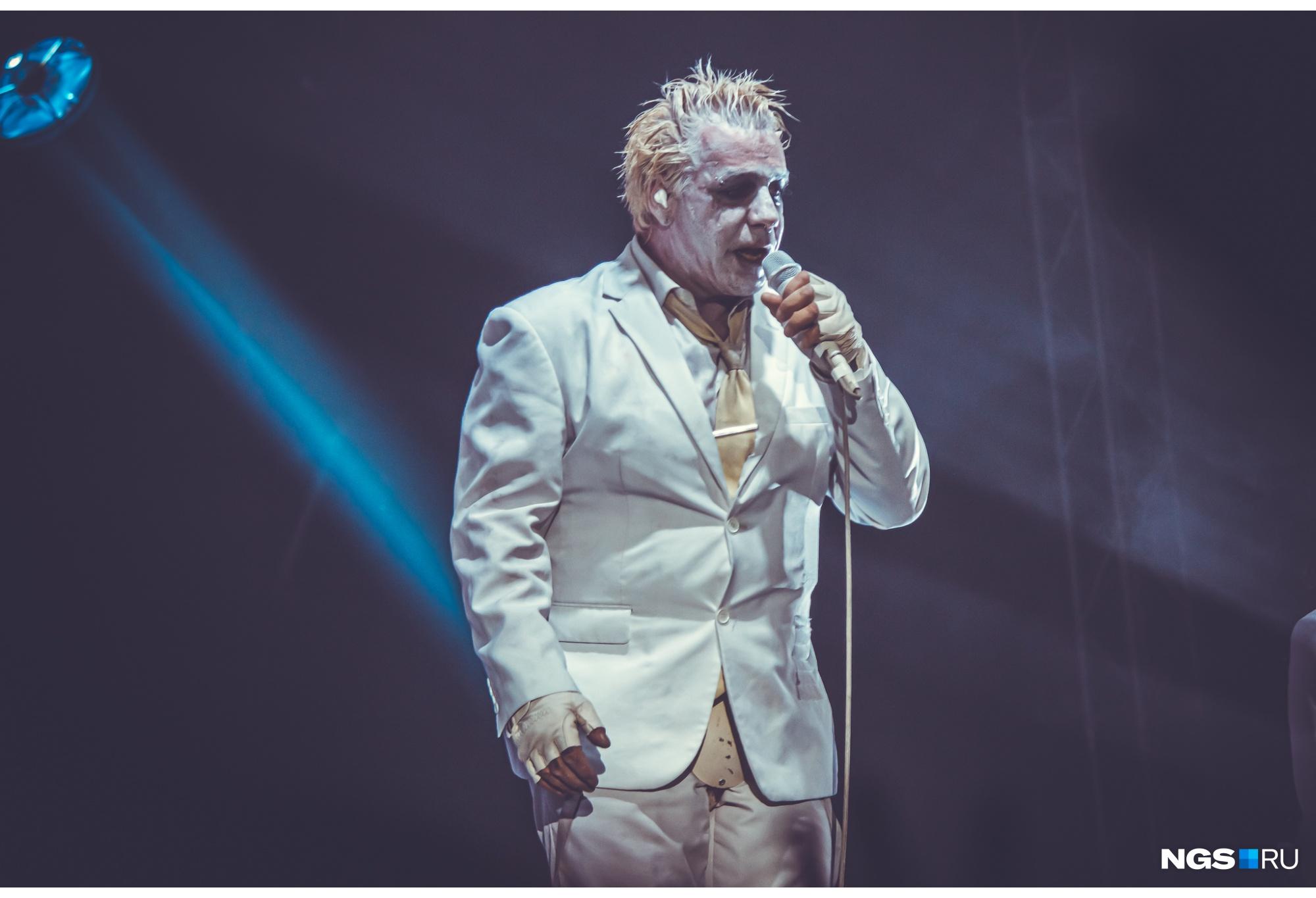 В поддержку выхода своего второго альбома Линдеманн отправился в тур по городам России, Украины и Беларуси