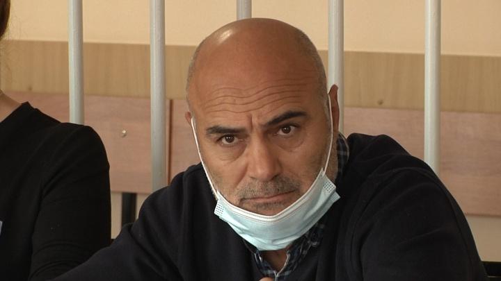 Омский суд отправил взяточника в колонию — он хотел помочь знакомому дорожнику