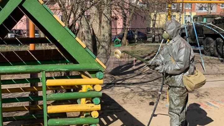 Для дезинфекции садиков в Ярославской области привлекли военных. Видео