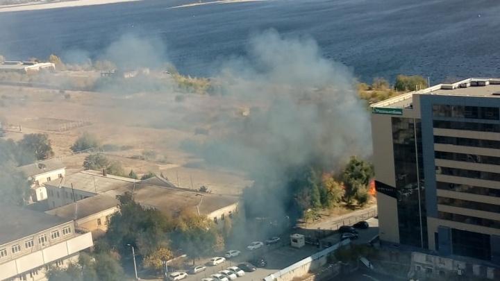«Ветер раздувает огонь все сильнее»: в Волгограде и Краснослободске пожары приближаются к жилым домам