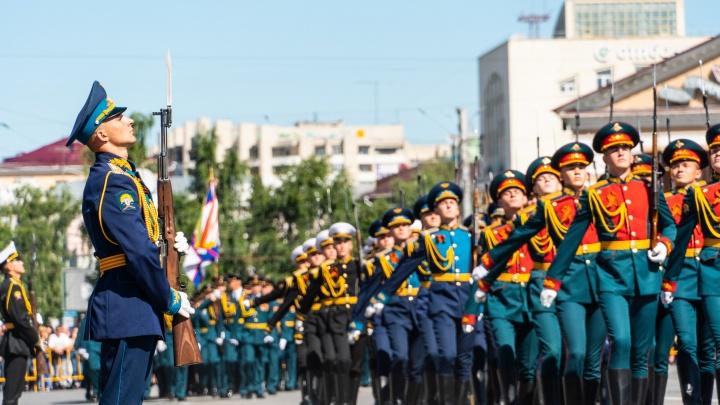 В Омске в День Победы пройдет парад