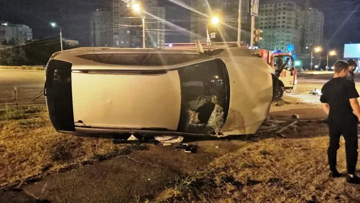 Появилось видео смертельного ДТП на Левобережье — водитель такси ехал на красный свет