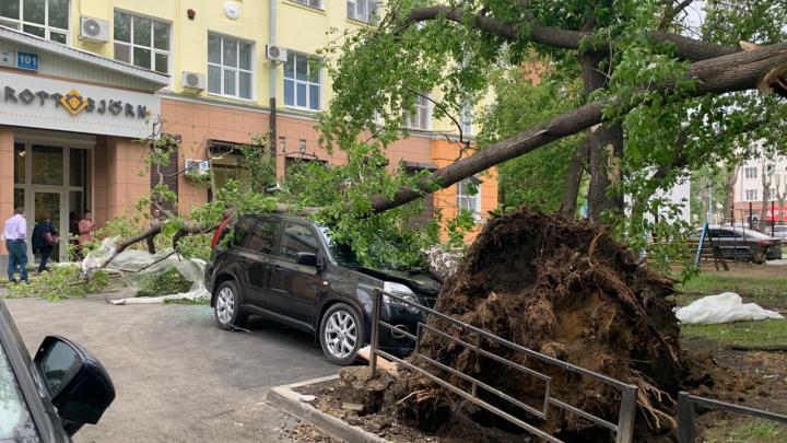Майский ураган оставил без света 130 тысяч человек в Свердловской области
