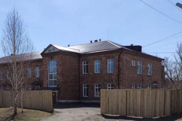 Детское инфекционное отделение в Минусинске стоит закрытым уже два года после плохого ремонта