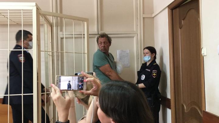 «Да с ума я сошел!»: в Самаре суд арестовал подрывника с Буянова