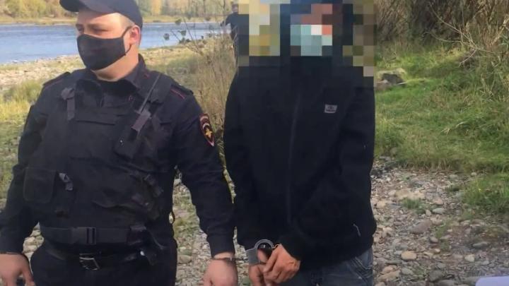 В Кузбассе нашли убийцу, который расчленил тело мужчины и сбросил в реку