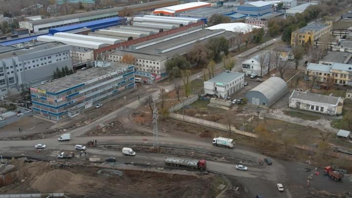 Стала известна причина сужения обновленного участка Заводского шоссе