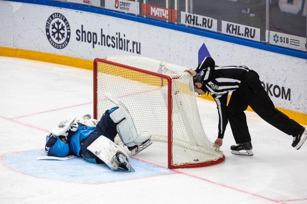 Всего команды провели друг с другом 28 матчей. «Сибирь» одержала 6 побед, ЦСКА — 22