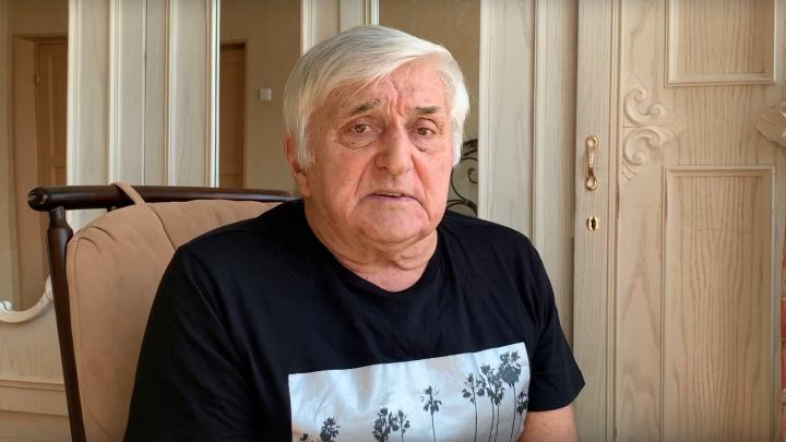 «Лицом на улицу — смешнее не скажешь»: Виктор Панов раскритиковал «Бессмертный полк» с балконов. Видео