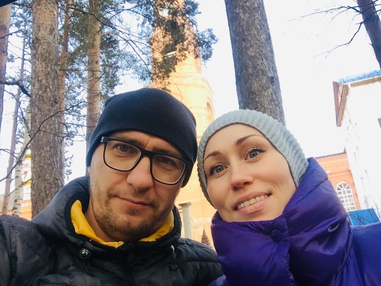 Артем с женой Анной познакомились семь лет назад