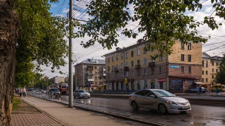 Анатолий Локоть рассказал, чего не хватает городу для борьбы с неприятным запахом