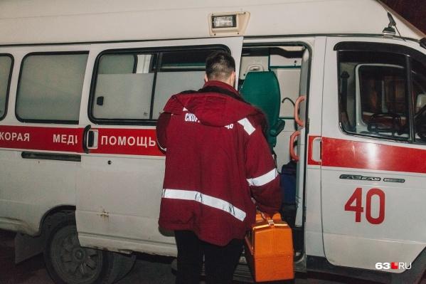 Сотрудники скорой помощи по вызову доставят больных неинфекционного профиля в дежурные больницы